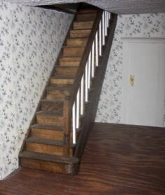 Merveilleux It Is Up To You Whether Or Not You Want To Make Your Own Staircase Or  Purchase It Ready Made. There Are Lots Of Dollhouse Suppliers Who Sell  Stairs.
